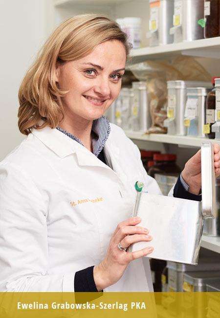 St-Anna Apotheke Team Mitarbeiterin PKA mit Medizin